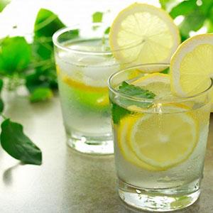 immagine con il metodo naturale per togliere il calcare: il limone