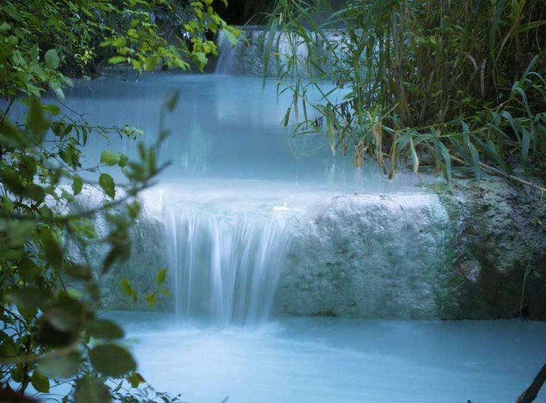 Viaggio tra storia, fede e mito: tra fonti e sorgenti, dove visitare i principali corsi d'acqua in Toscana